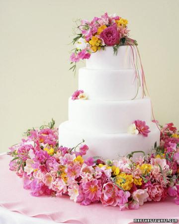 062805_wed_cake05_xl